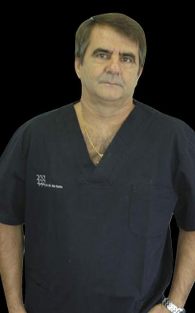 Dr. Bernabé del Moral González - Clínica del Canto