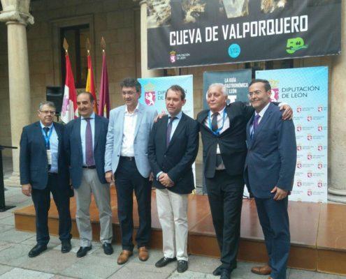 XXIX CONGRESO NACIONAL y XXI INTERNACIONAL de la SOCIEDAD ESPAÑOLA DE IMPLANTES - 1